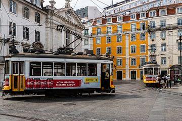 Berühmte Straßenbahnen in Lissabon von Karin Riethoven
