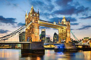 Tower Bridge in Londen van Michael Abid