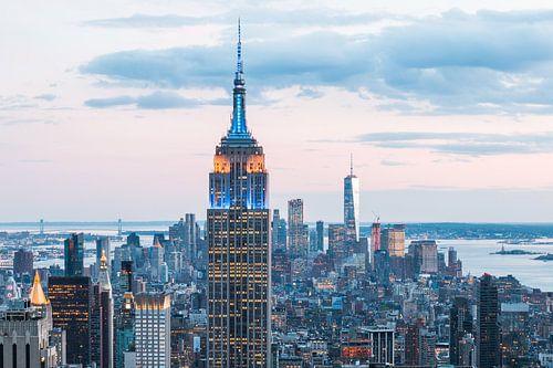 Empire State Building & Manhattan in de Avond van Frenk Volt