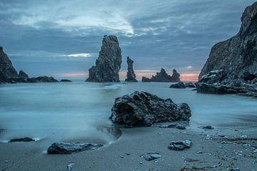Avondbeeld van de Aiguilles de Port Coton, Belle Ile en Mer van Arthur Puls Photography