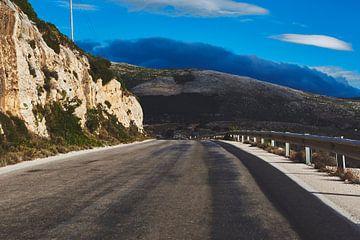 Open weg op Kefalonia, Griekenland van Jason King