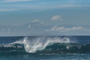 Vulkaan en golf krachtig van massimo pardini