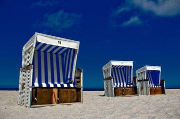 Strandstoelen nummer 18, 17 & 16 van Norbert Sülzner