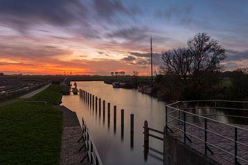 Zonsondergang bij de sluis van Schaphalsterzijl sur Arline Photography