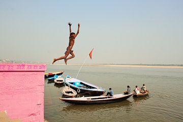 Varanasi, India van Milou Breunesse
