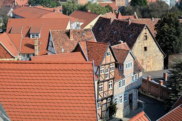 Blick auf die Dächer der historischen Altstadt von Quedlinburg. von Heiko Kueverling