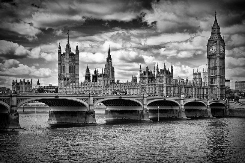 LONDON Houses of Parliament & Westminster Bridge van Melanie Viola