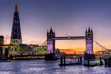 LPH 71318838 The Shard met Tower Bridge en rivier the Theems bij zonsondergang, Engeland van BeeldigBeeld Food & Lifestyle