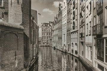 Grachtenpanden in zwartwit van Jan van der Knaap