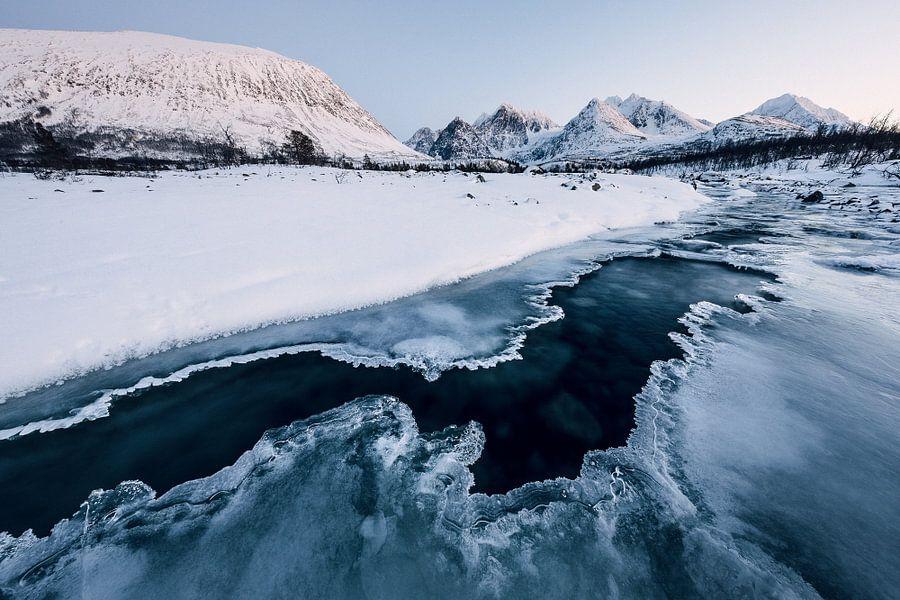 Bevroren rivier - Lyngen Alpen, Noorwegen