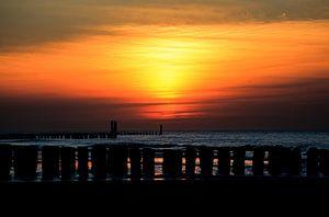 Zonsondergang op het strand van Domburg van