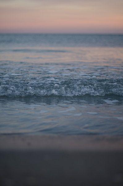 Make waves! van Dick Nieswaag