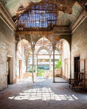 Verlassener, stark verfallener Palast.