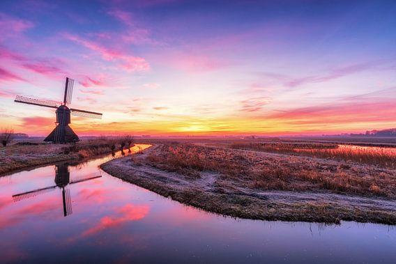 Windmolen bij zonsopkomst van Maikel Brands
