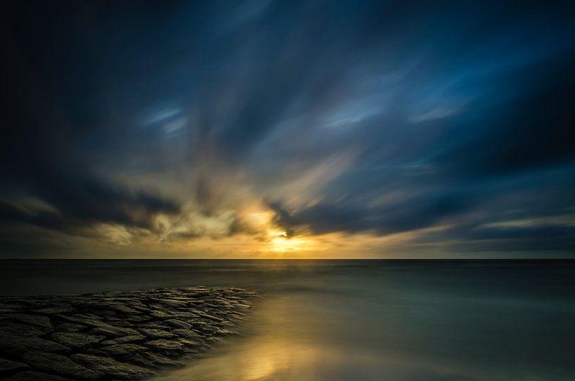 Golden pier van Richard Guijt