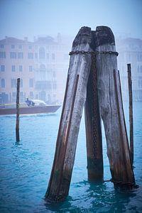 Canal Grande Venetie in de mist