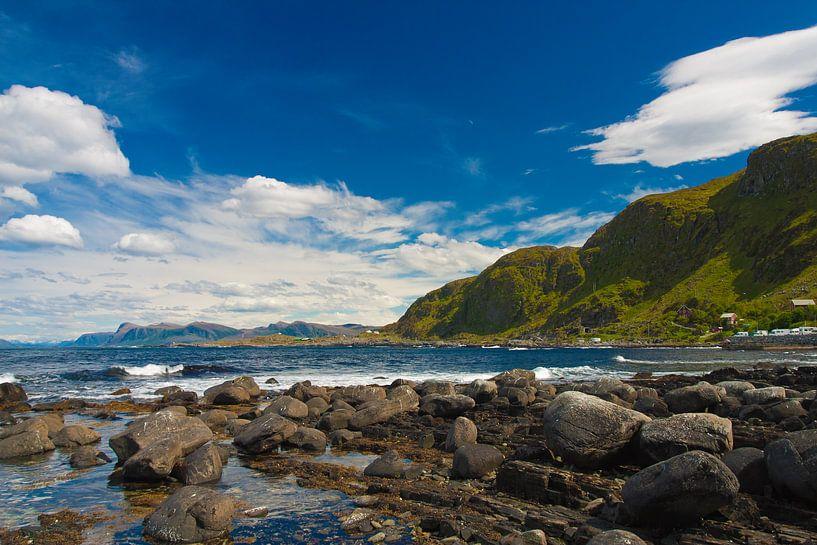 Kust in Noorwegen van Patrick van Oostrom