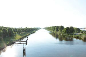 Vergezicht over het kanaal van