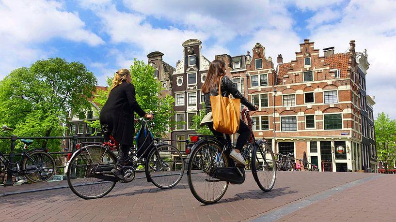 Cycling in Amsterdam van Harry Hadders