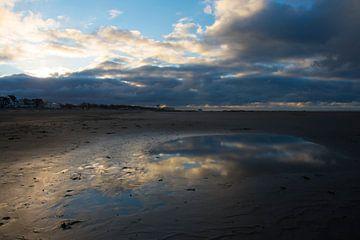 Strand Zeebrügge von Cathfish photography by Cathie Lefieuw