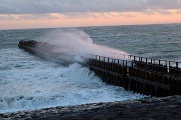 La tempête Dennis fait rage sur Westkappel sur Wendy Hilberath