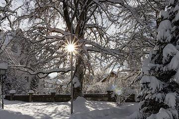 Verschneites Dorf von