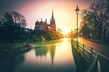 Zweden kTrollhättan kyrka - Kerk zonsondergang lange blootstelling van Fotos by Jan Wehnert