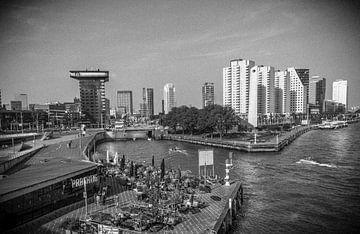 Retro12/ Uitkijk op Beurs, Rotterdam. von Henry van Schijndel