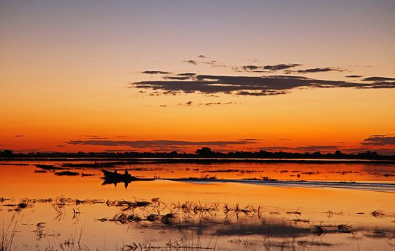 Evening at Chobe River, Botswana van W. Woyke