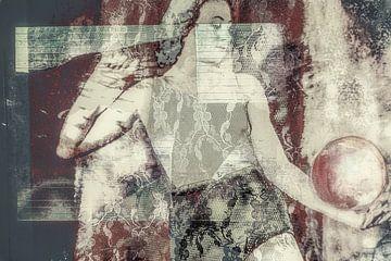 Sportieve vrouw met kanten ondergoed van Marijke de Leeuw - Gabriëlse