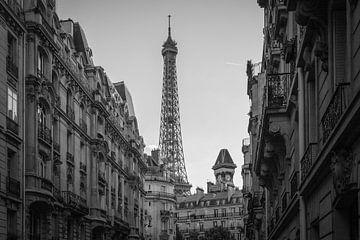 La Tour Eiffel en noir et blanc sur Claudia van Vulpen Lenssen