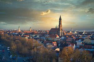 Mooi avondlicht in de stad Straubing