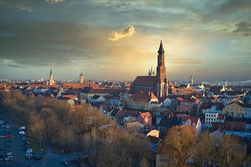 Wunderschönes Abendlicht in der Stadt Straubing