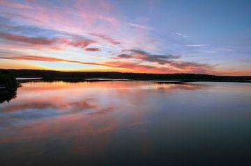 Coloured lake van Marc Hollenberg