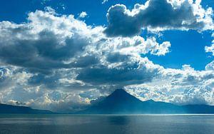 Vulkaan aan het meer van Atitlan