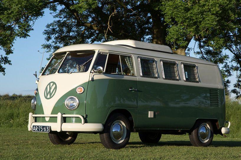 T1 Volkswagen camperbusje 1967 van Jolanda van Eek
