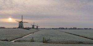 Winterlandschap met 3 windmolens van