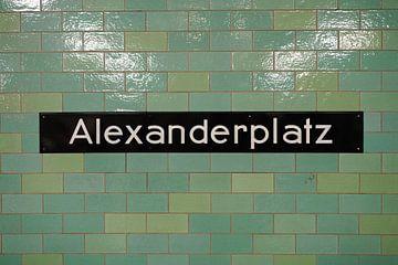 Alexanderplatz metro tegels van