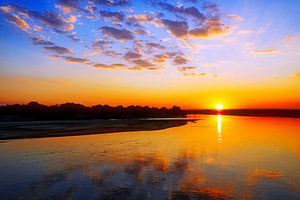 Sonnenuntergang am Luangwa, Sambia von