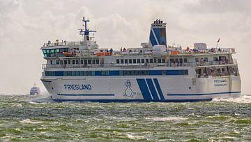 Friesland Fähre und Schnellboot Tiger sur Roel Ovinge