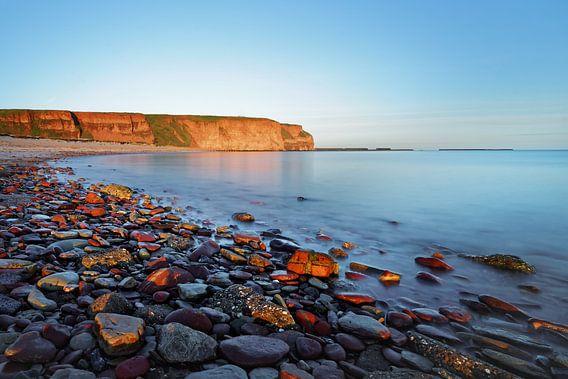 Strand auf Helgoland im Morgenlicht, Wasserbewegung
