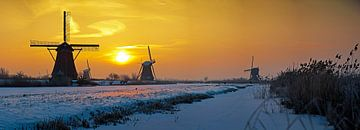 Panorama Kinderdijk dans la neige sur Anton de Zeeuw