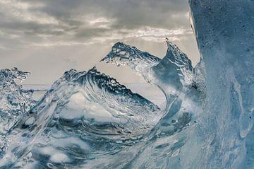 Magische ijskunst in 50 tinten blauw van Bep van Pelt- Verkuil