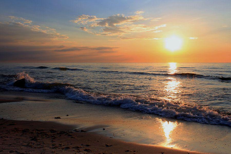 Zonsondergang van Ostsee Bilder