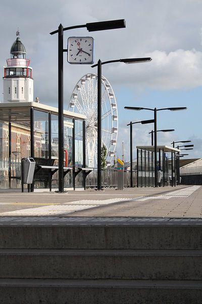 Bij station Harlingen Haven  van Jetty Boterhoek