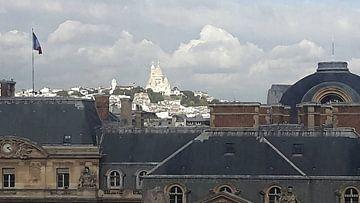 Uitzicht over de daken van Parijs op de basilique du Sacré-Coeur van Emajeur Fotografie