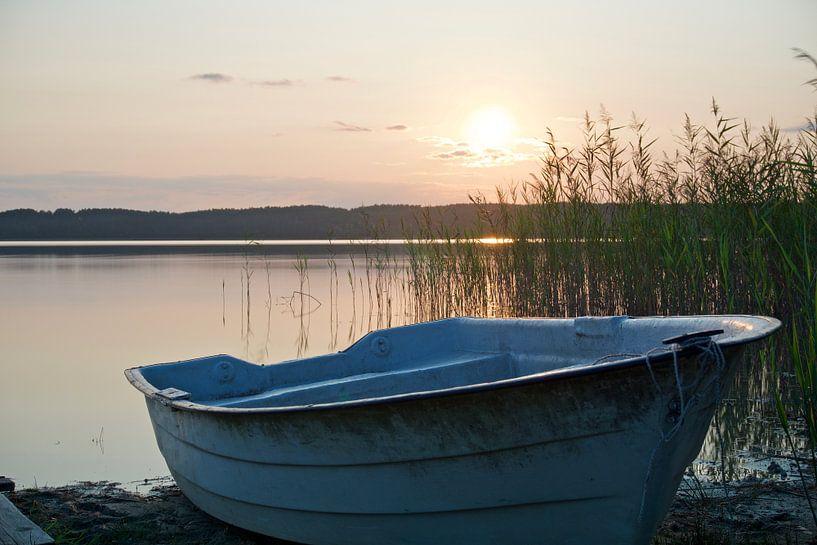 Sonnenuntergang am See van Daniel Cabajewski