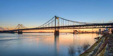 Krefeld-Uerdingen Bridge van Michael Valjak