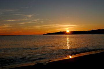 Zonsondergang op het strand van cuhle-fotos