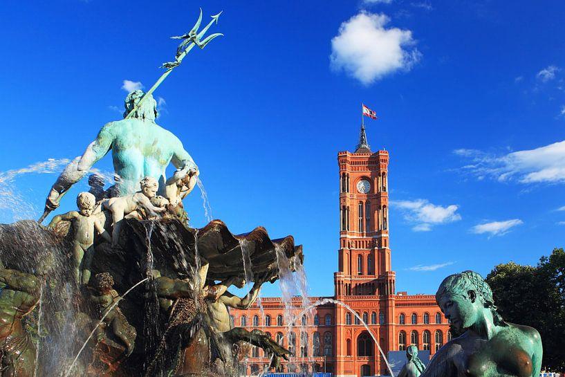 Hôtel de ville rouge et fontaine de Neptune sur Frank Herrmann